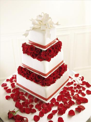The FTD Sweet Roses Cake Decoration Brownwood TX Florist Davis