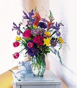 Spring vase with roses brownwood tx florist davis floral company spring vase with roses by davis floral comany your brownwood texas tx mightylinksfo