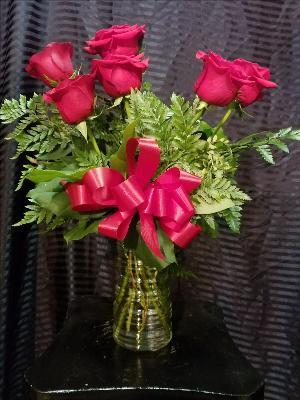 Half a Dozen Roses by Davis Floral Comany, your Brownwood, Texas (TX) Florist