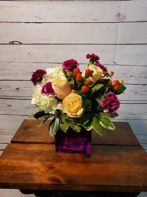 Chic Cube by Davis Floral Comany, your Brownwood, Texas (TX) Florist