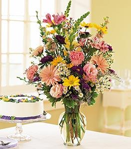 Birthday Pastels by Davis Floral Comany, your Brownwood, Texas (TX) Florist