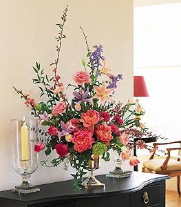 Classic Spring Bouquet by Davis Floral Comany, your Brownwood, Texas (TX) Florist